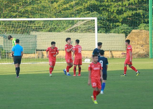 Sao HA Gia Lai lập công, U22 Việt Nam thắng đội hạng Nhất - 1
