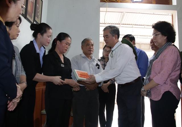 TPHCM ủng hộ đồng bào các tỉnh miền Trung hơn 50 tỷ đồng - 3