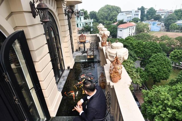 Đại gia Hà Nội chi 5 tỷ đồng xây bể cá Koi trong căn biệt thự giữa phố cổ - 3