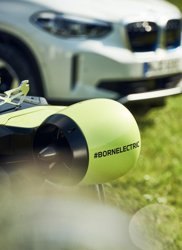 BMW hiện thực hoá giấc mơ bay của loài người - 7
