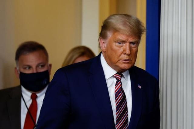 Tổng thống Trump nói vị trí dẫn đầu của ông biến mất kỳ lạ - 1