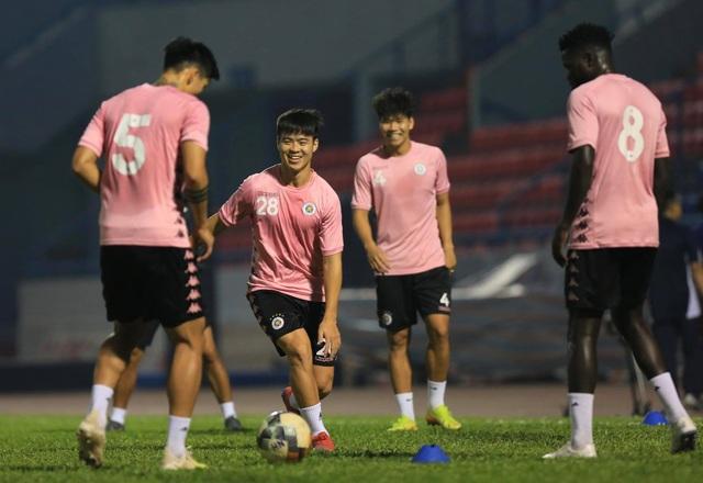 Duy Mạnh nói gì về cơ hội bảo vệ ngôi vô địch của CLB Hà Nội? - 1