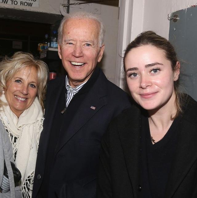 """""""Vũ khí bí mật"""" giúp ông Biden lôi kéo cử tri trẻ - 3"""