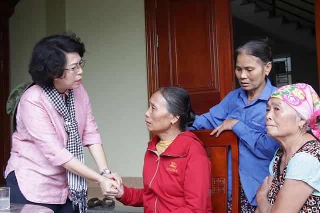 TPHCM ủng hộ đồng bào các tỉnh miền Trung hơn 50 tỷ đồng - 2