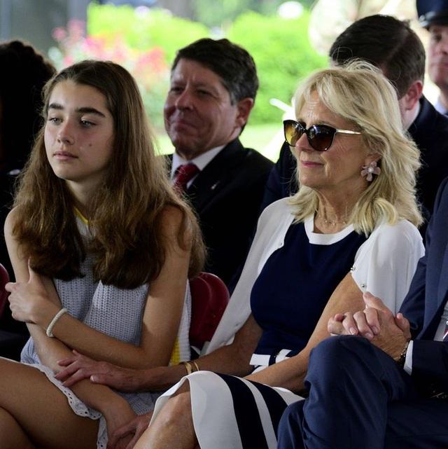 """""""Vũ khí bí mật"""" giúp ông Biden lôi kéo cử tri trẻ - 9"""
