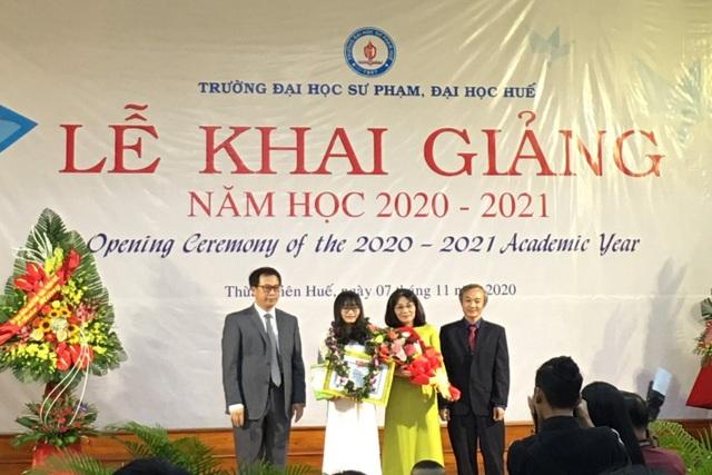 Nhiều trường ĐH, CĐ tại Huế đồng loạt khai giảng năm học mới - 2