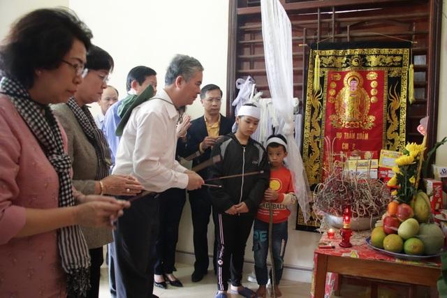 TPHCM ủng hộ đồng bào các tỉnh miền Trung hơn 50 tỷ đồng - 4