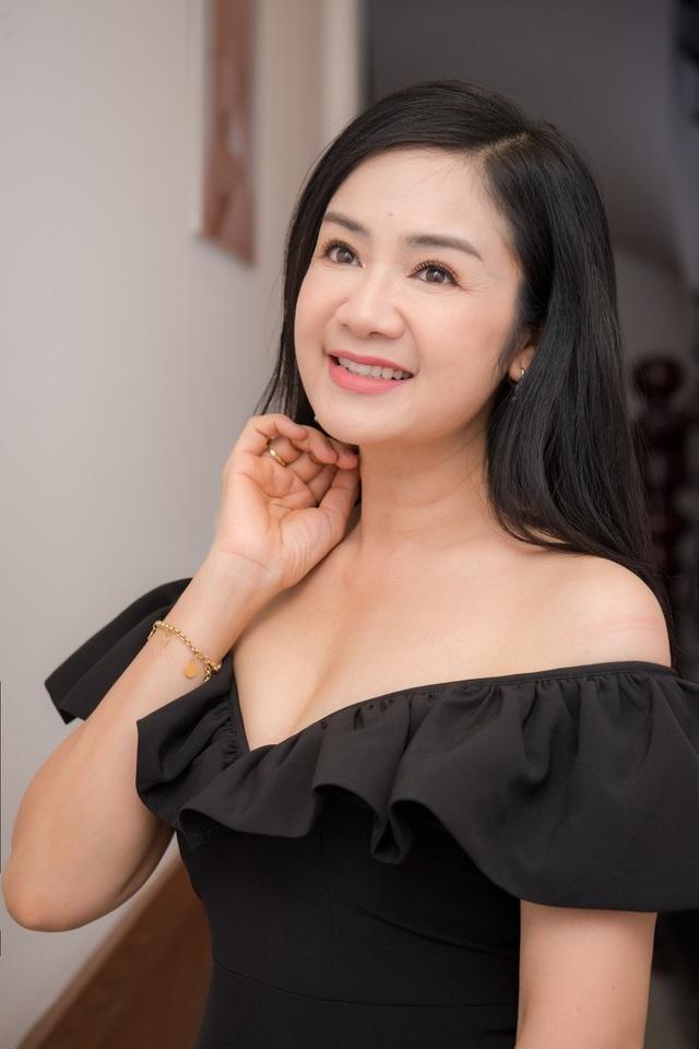 NSND Thu Hà được đồng nghiệp trầm trồ khen biểu tượng nhan sắc Việt - 6