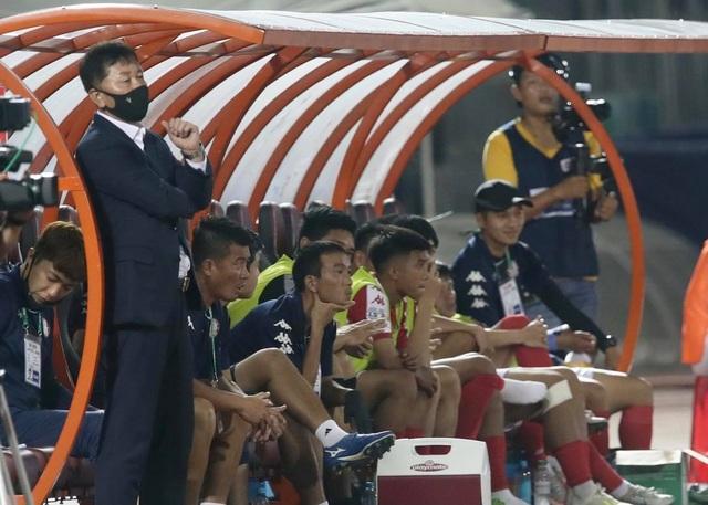 CLB TPHCM hòa Bình Dương ở trận đấu chia tay Công Phượng - 10