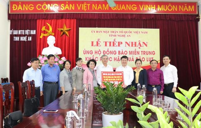 TPHCM ủng hộ đồng bào các tỉnh miền Trung hơn 50 tỷ đồng - 1