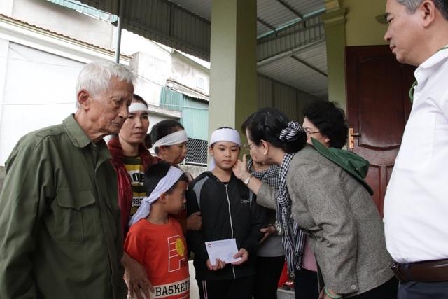 TPHCM ủng hộ đồng bào các tỉnh miền Trung hơn 50 tỷ đồng - 5