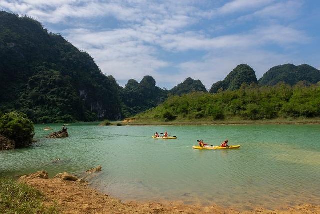 """Miền thảo nguyên xanh đẹp tựa """"tiên cảnh"""" cách Hà Nội chỉ hơn 100km - 9"""
