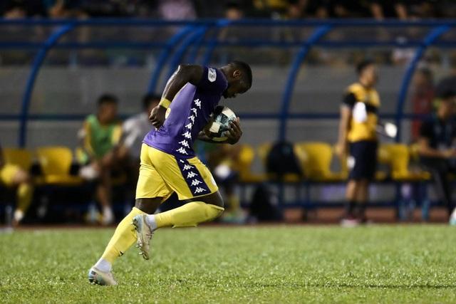 Thắng đậm Than Quảng Ninh, CLB Hà Nội về nhì tại V-League 2020 - 7