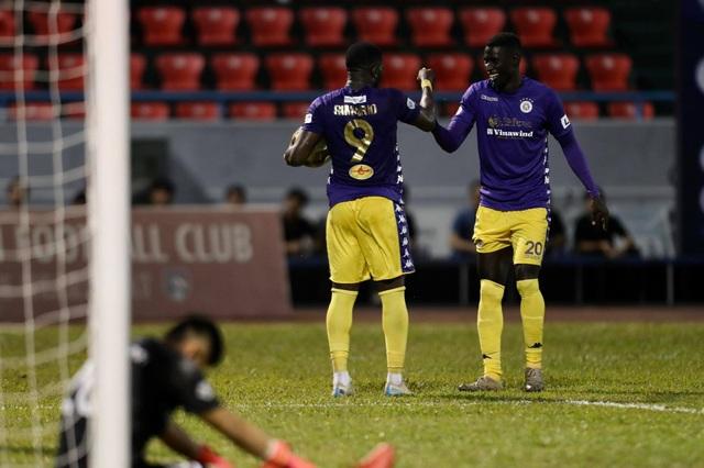 Thắng đậm Than Quảng Ninh, CLB Hà Nội về nhì tại V-League 2020 - 6