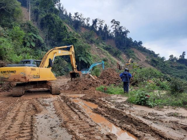 Nỗ lực thông đường vào vùng bị cô lập ở Phước Sơn - 2