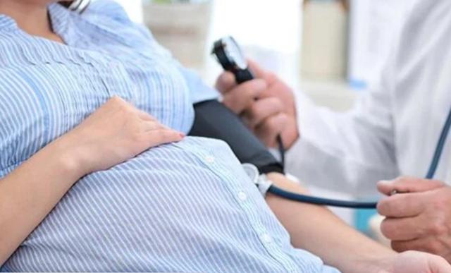 Bỏ qua triệu chứng lạ, thai phụ nguy kịch vì tiền sản giật - 1