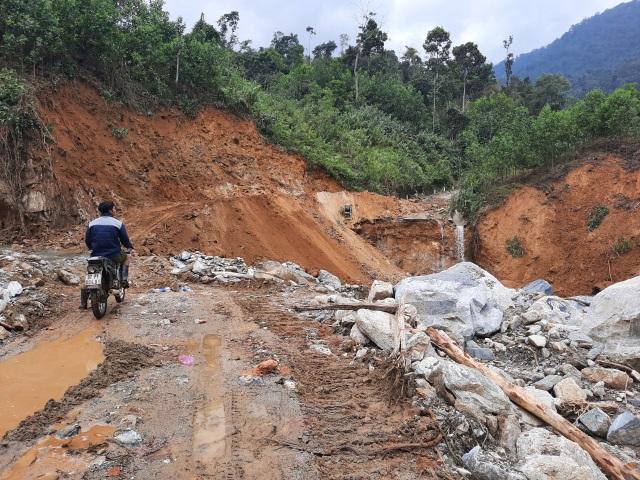 Nỗ lực thông đường vào vùng bị cô lập ở Phước Sơn - 3
