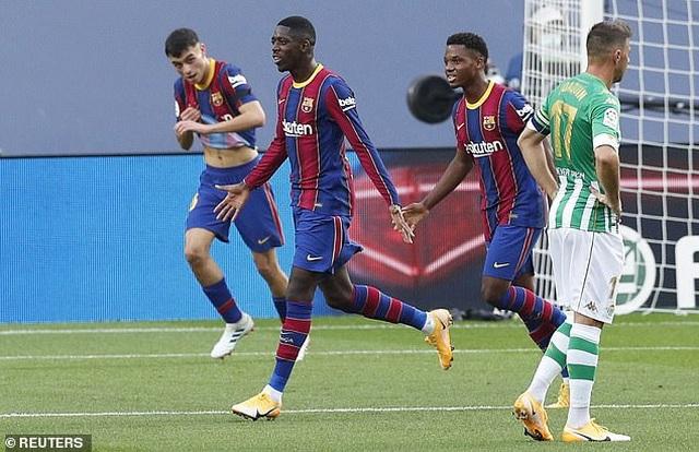 Messi lập cú đúp, Barcelona thắng đậm Real Betis - 2