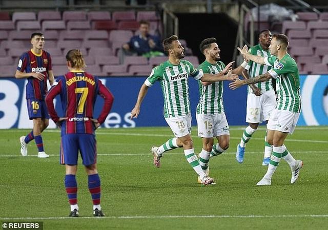 Messi lập cú đúp, Barcelona thắng đậm Real Betis - 10