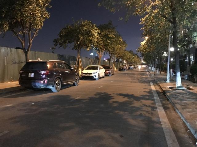 Vụ hàng loạt ô tô bị xịt sơn: Nghi can là 3 bảo vệ chung cư - 5