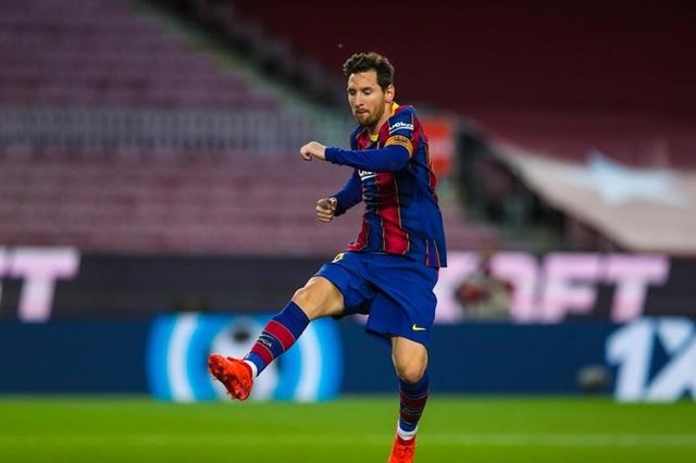 Lộ lý do Messi phải ngồi dự bị ở Barcelona - 2