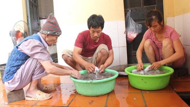 """Kỳ lạ làng """"nghiện"""" ăn thịt chuột ở Hà Nội, trẻ em và phụ nữ đều thích mê - 7"""