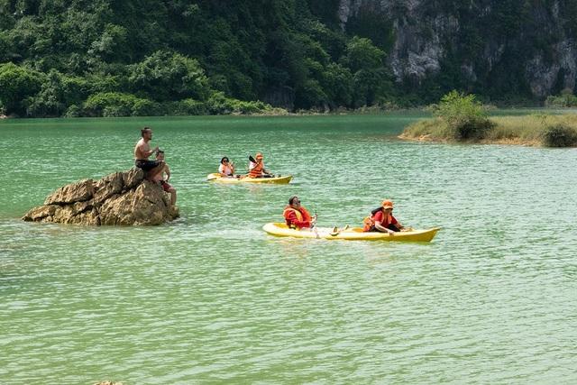 """Miền thảo nguyên xanh đẹp tựa """"tiên cảnh"""" cách Hà Nội chỉ hơn 100km - 10"""