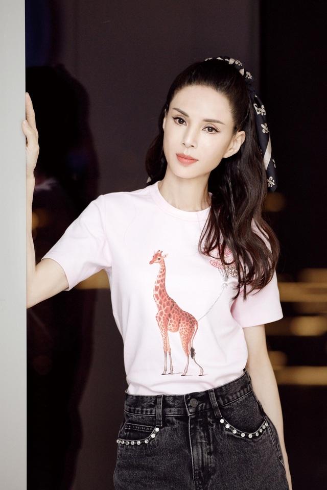 """Ngưỡng mộ vòng eo 56 cm của """"Tiểu Long Nữ"""" Lý Nhược Đồng - 6"""