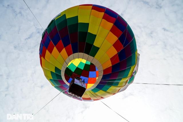 Thích thú với trải nghiệm bay khinh khí cầu ở Ba Vì - 3