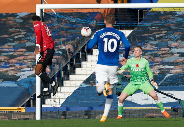 Những khoảnh khắc Man Utd vượt ải Goodison Park - 14