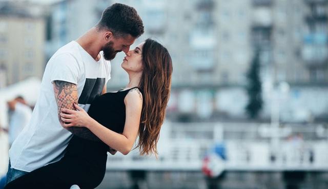 10 bí quyết cho nụ hôn đầu quyến rũ - 2