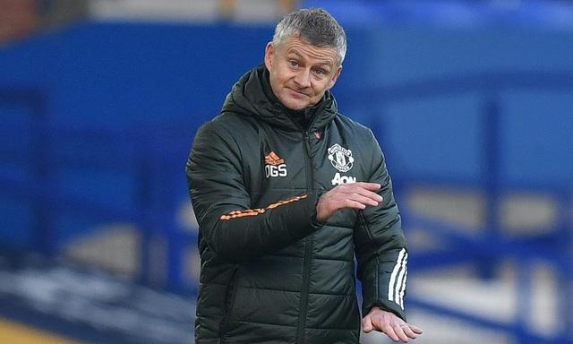 Man Utd vượt qua Everton, Solskjaer cân bằng kỷ lục của Sir Alex - 1