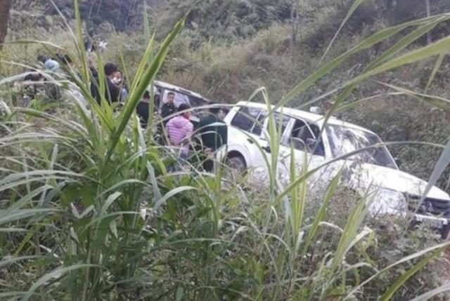 Xe U oát lao xuống vực, 3 người chết, 4 người bị thương - 1