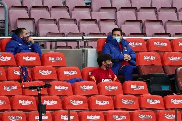Lộ lý do Messi phải ngồi dự bị ở Barcelona - 1