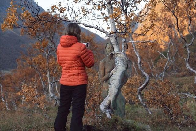 """""""Sởn gai ốc"""" trước những tác phẩm """"body-painting"""" vẽ trong cái lạnh 0 độ - 11"""