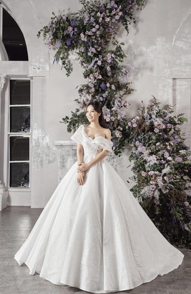 Á hậu Thuỵ Vân hứa chọn váy cưới cho bạn gái NSND Công Lý ngày lên xe hoa - 9