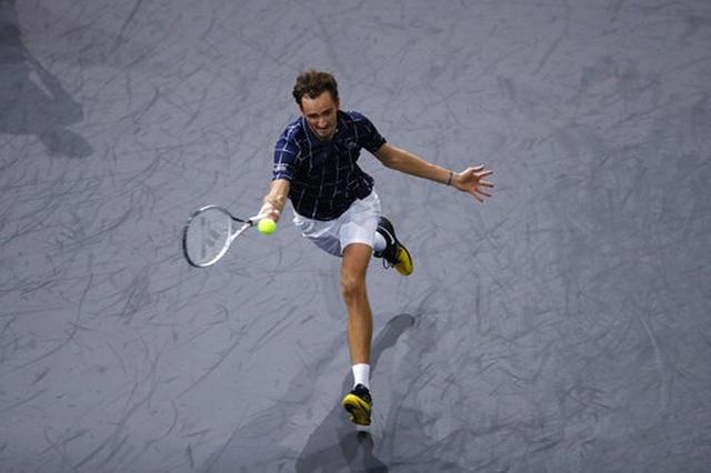 Daniil Medvedev giành cúp vô địch tại Paris Masters 2020 - 3