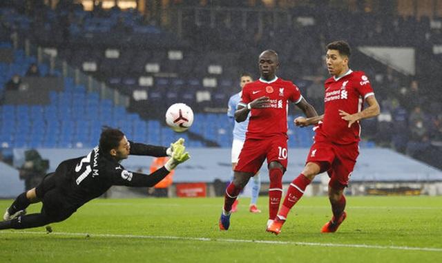 Man City 1-1 Liverpool: De Bruyne đá hỏng phạt đền - 7