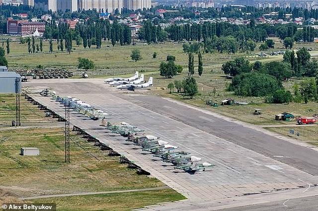 Quân nhân Nga cướp súng của đồng đội, bắn chết 3 người  - 1