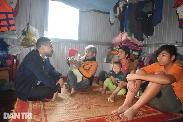 Bạn đọc Dân trí chung tay xây dựng xóm nhà phao vùng rốn lũ Quảng Bình - 4