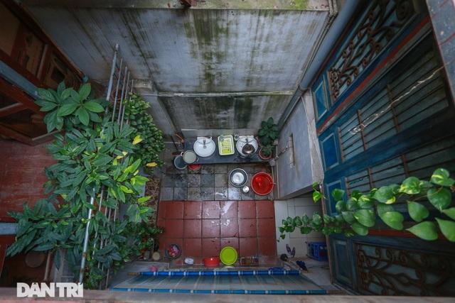 """Căn nhà cổ trăm tuổi làm từ gỗ lim, có kiến trúc """"độc nhất"""" phố cổ Hà Nội - 11"""