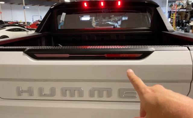Khám phá những tính năng, trang bị thú vị của Hummer EV - 5