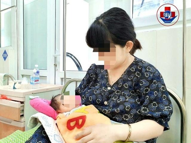 Phẫu thuật kịp thời cứu mẹ con sản phụ bị sa dây rốn - 1