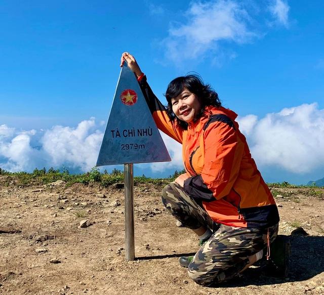 Nữ phượt thủ U60 đặt chân 62 tỉnh thành, leo 26km núi đầy ngoạn mục - 6