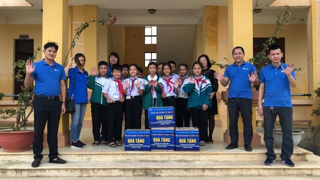 Tập đoàn Austdoor chung tay hỗ trợ cho người dân Quảng Bình - 3
