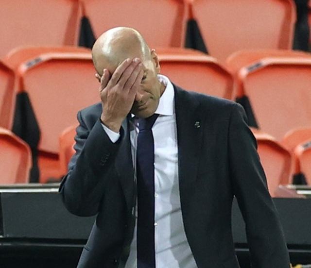 """HLV Zidane bị chỉ trích dữ dội vì quyết định """"bất thường"""" ở Real Madrid - 1"""