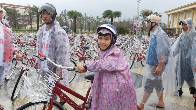 Trao tặng 350 xe đạp đến học sinh nghèo Quảng Nam - 1