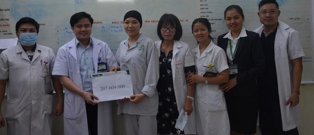 Nữ điều dưỡng mắc ung thư kép nghẹn ngào được bạn đọc tiếp tục giúp đỡ - 2