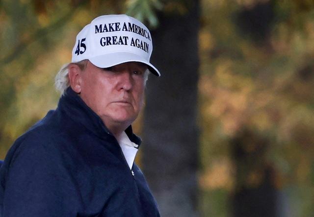 Ông Trump loay hoay trong ván bài bầu cử - 1