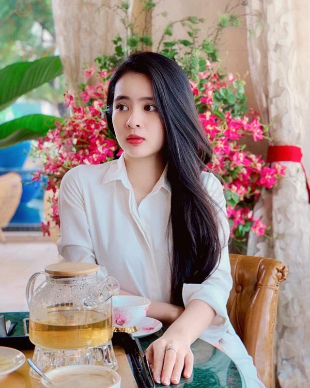 Nữ sinh Kon Tum nổi tiếng vì giống Lưu Diệc Phi thả dáng nuột nà với bikini - 10